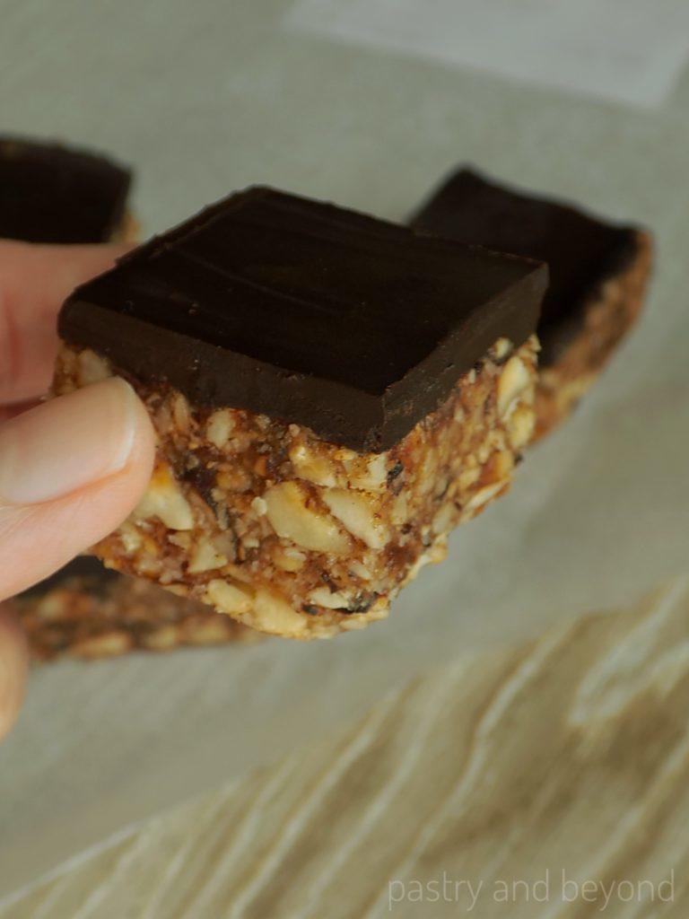Healthy No-Bake Mini Hazelnut Date Bars
